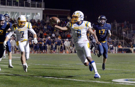 Roc 092318 Irondequoit Victor Football A