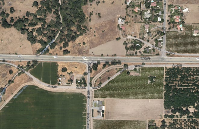 Tulare County sheriff's deputies are investigating a crash that happened on Saturday morning near Highway 198 and Anderson Road, just east of Visalia.