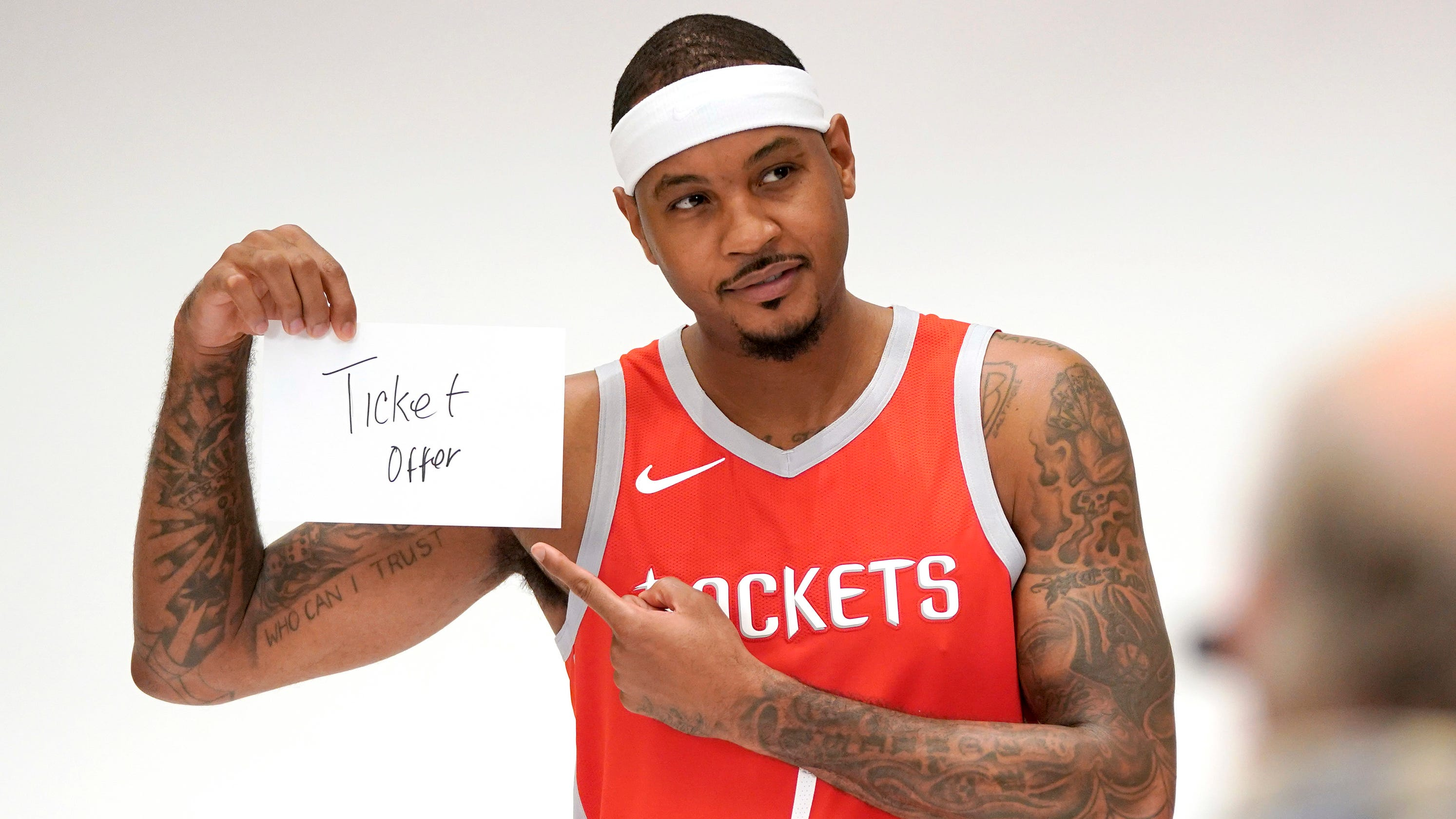 Is Carmelo Anthony willing to play a bench role with Rockets?