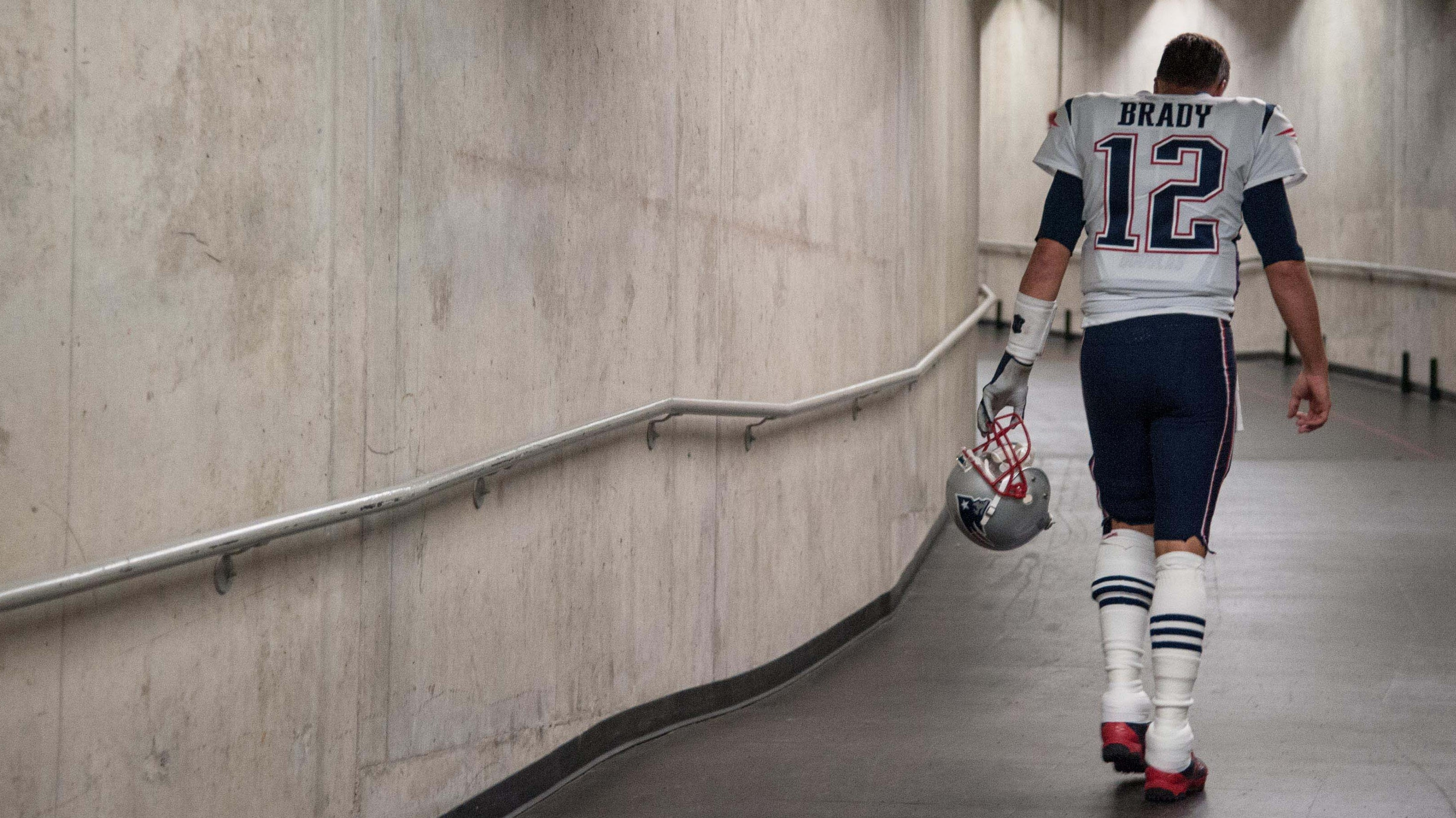 Tom Brady's Patriots had a rough Sunday night in Detroit.