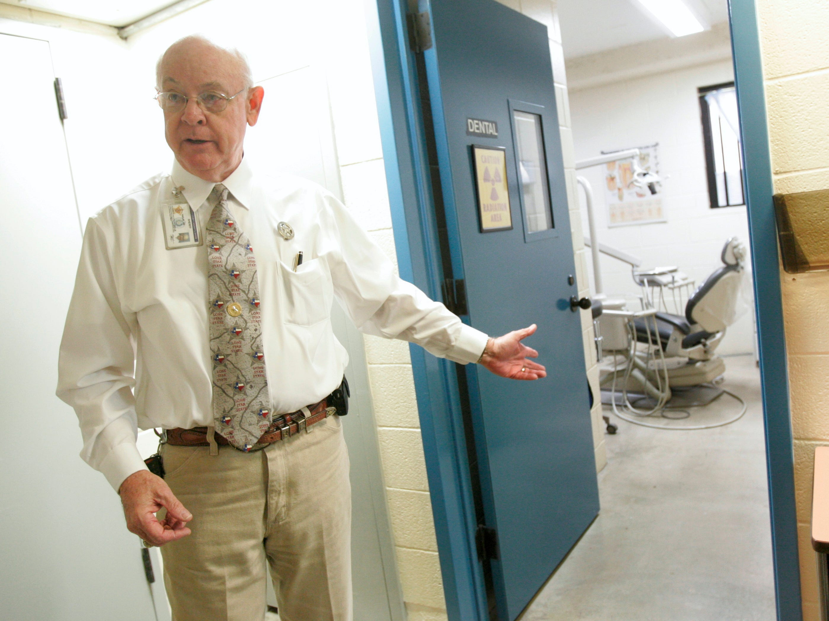 Nueces County Sheriff Jim Kaelin shows their medical facilities, including dental chairs and an x-ray machine Thursday, Nov. 12, 2009 at the Nueces County Jail in Corpus Christi.