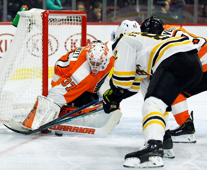 Brian Elliott made 24 saves on 28 shots Monday night in his first full-game action of the preseason.