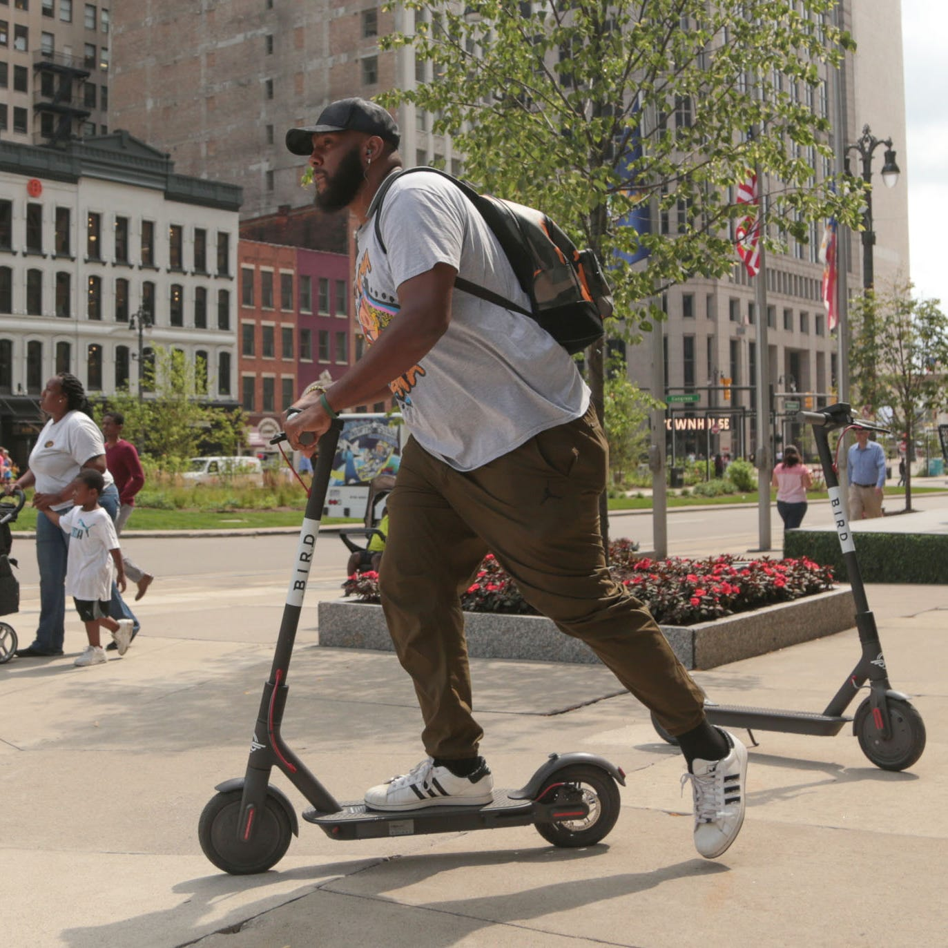 Detroit's Bird, Lime rental scooter craze hits an obstacle