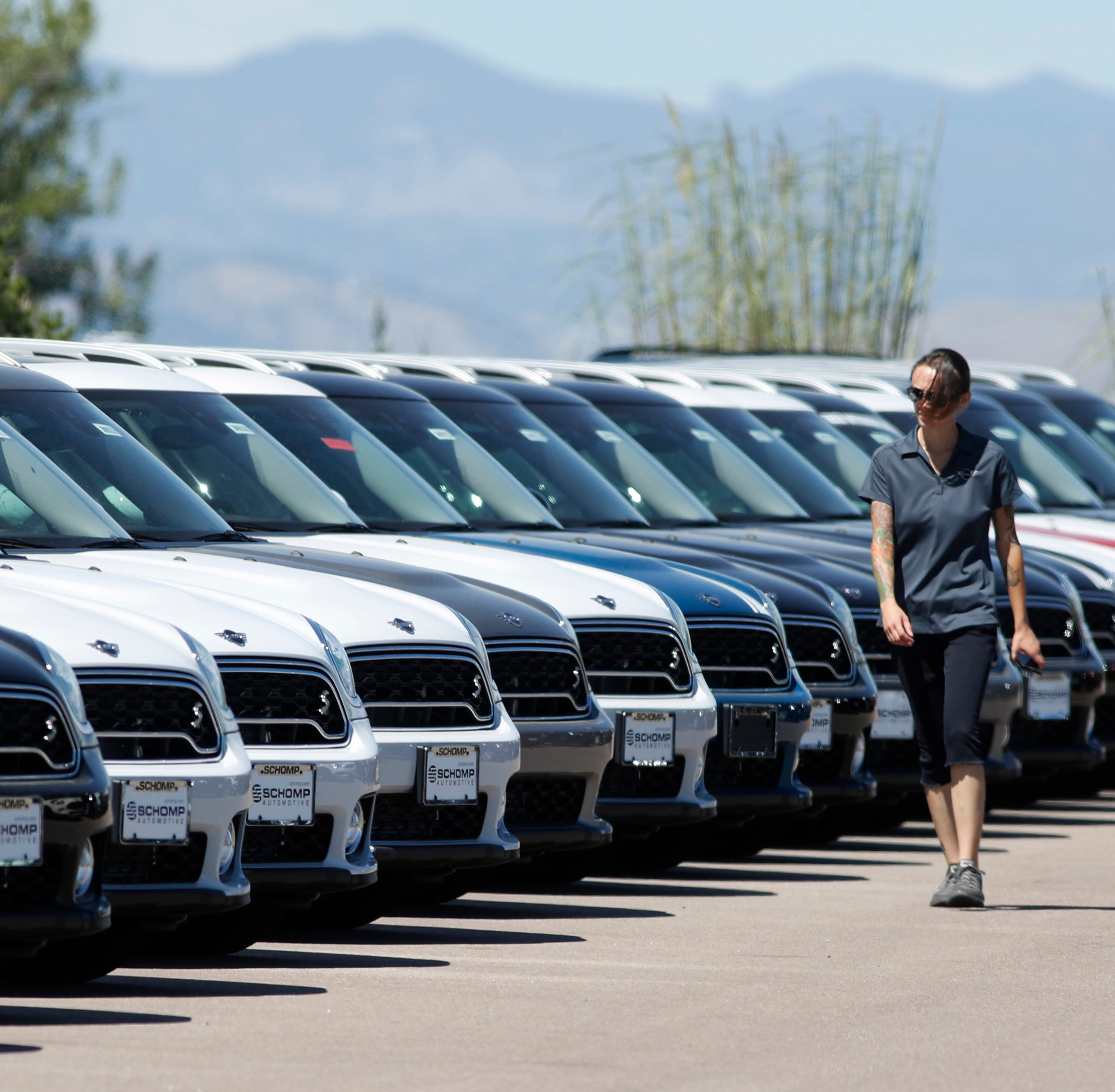 New cars sales expected to stall, dinging the Detroit 3