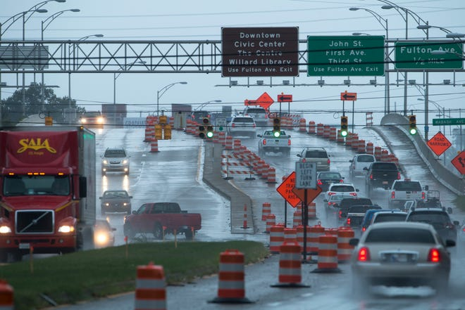 Construction work on the Lloyd Expressway continues where three lanes are still narrowed to two lanes east of Wabash Avenue as of Tuesday morning.