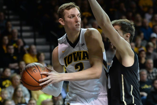 Jack Nunge, who averaged 5.7 points last year, is redshirting his sophomore season at Iowa.