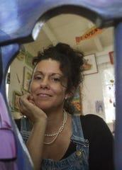 Pine Island artist Mel Meo