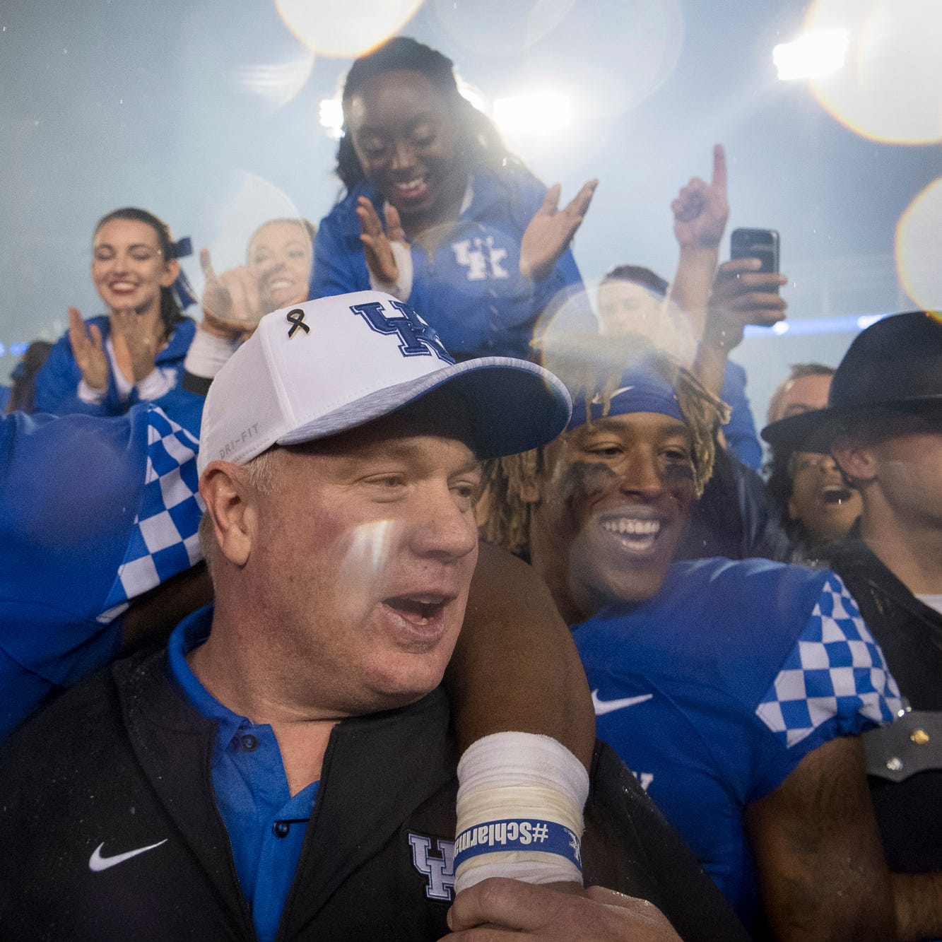 UK fined $100,000 for fans rushing the field after Mississippi State win