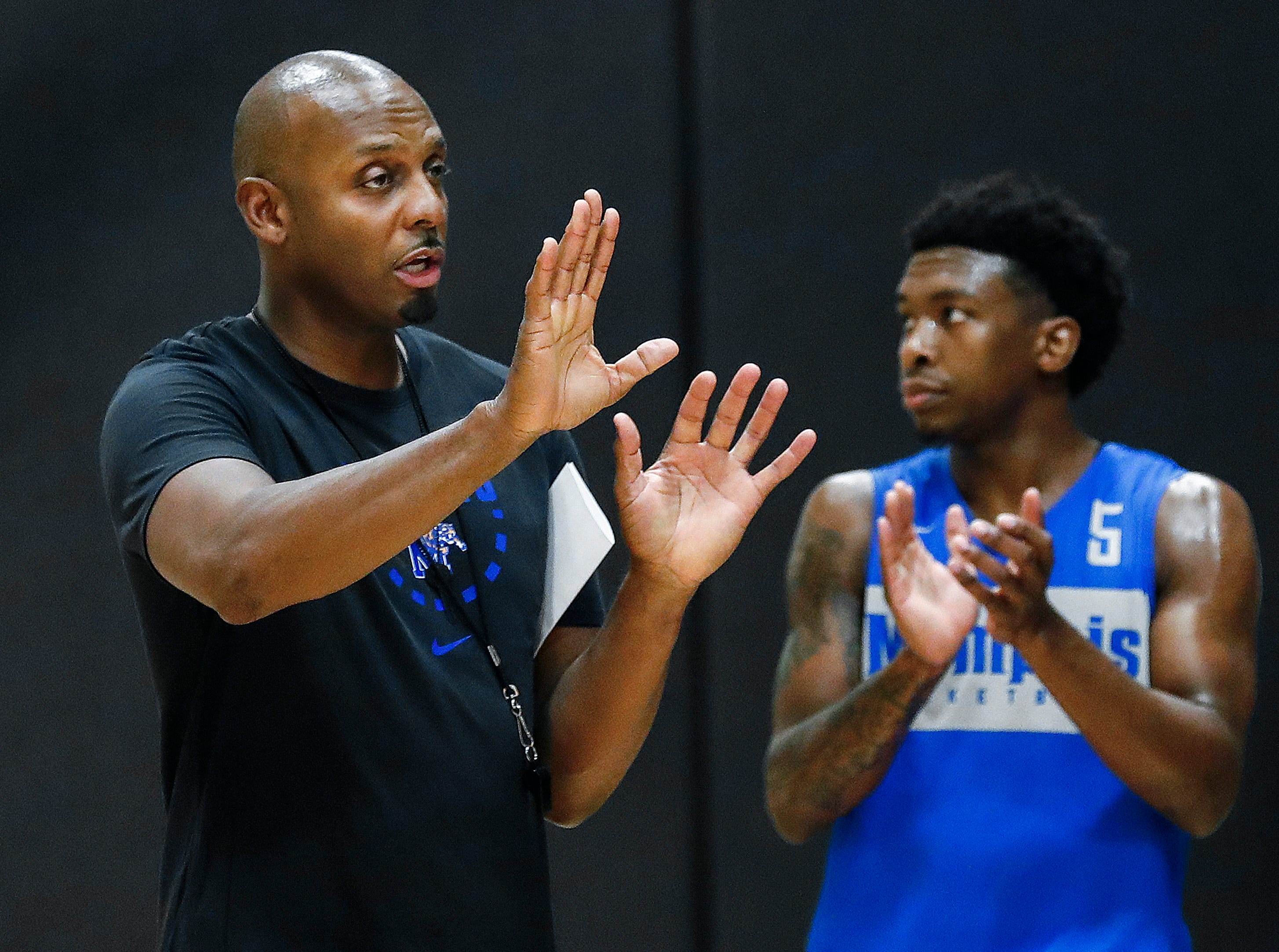 Memphis Tigers new head coach Penny Hardaway drills his team during an open practice Tuesday afternoon at the Laurie-Walton Family Basketball Center.