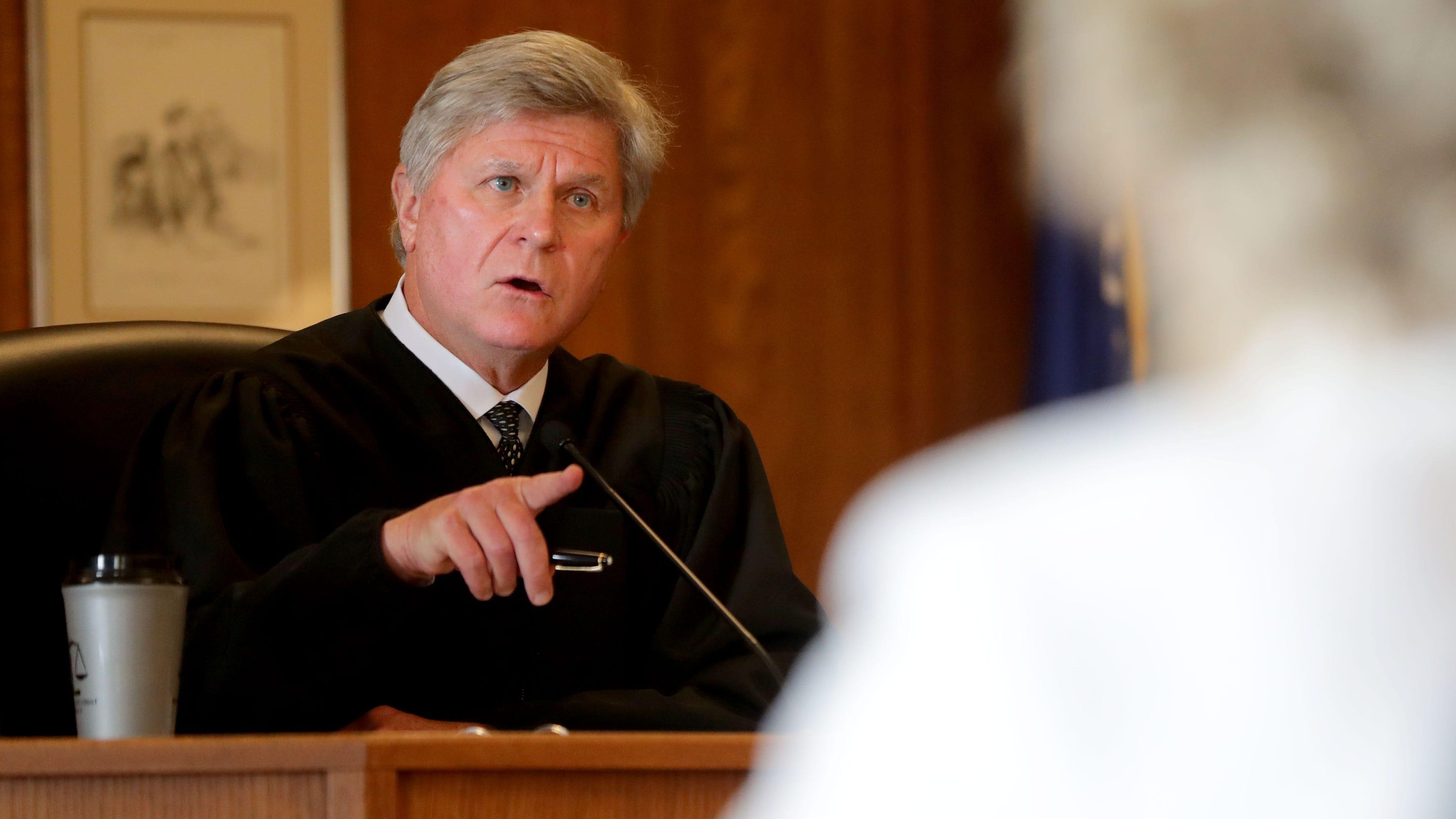 Judge delays contempt hearing in secret Racine open records case