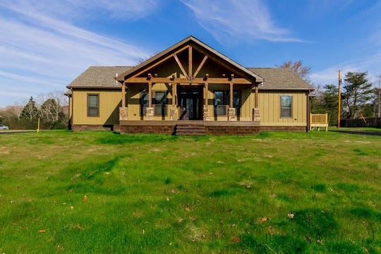 CHEATHAM COUNTY: 1009 W Kingston Springs Road, Kingston Springs 37082