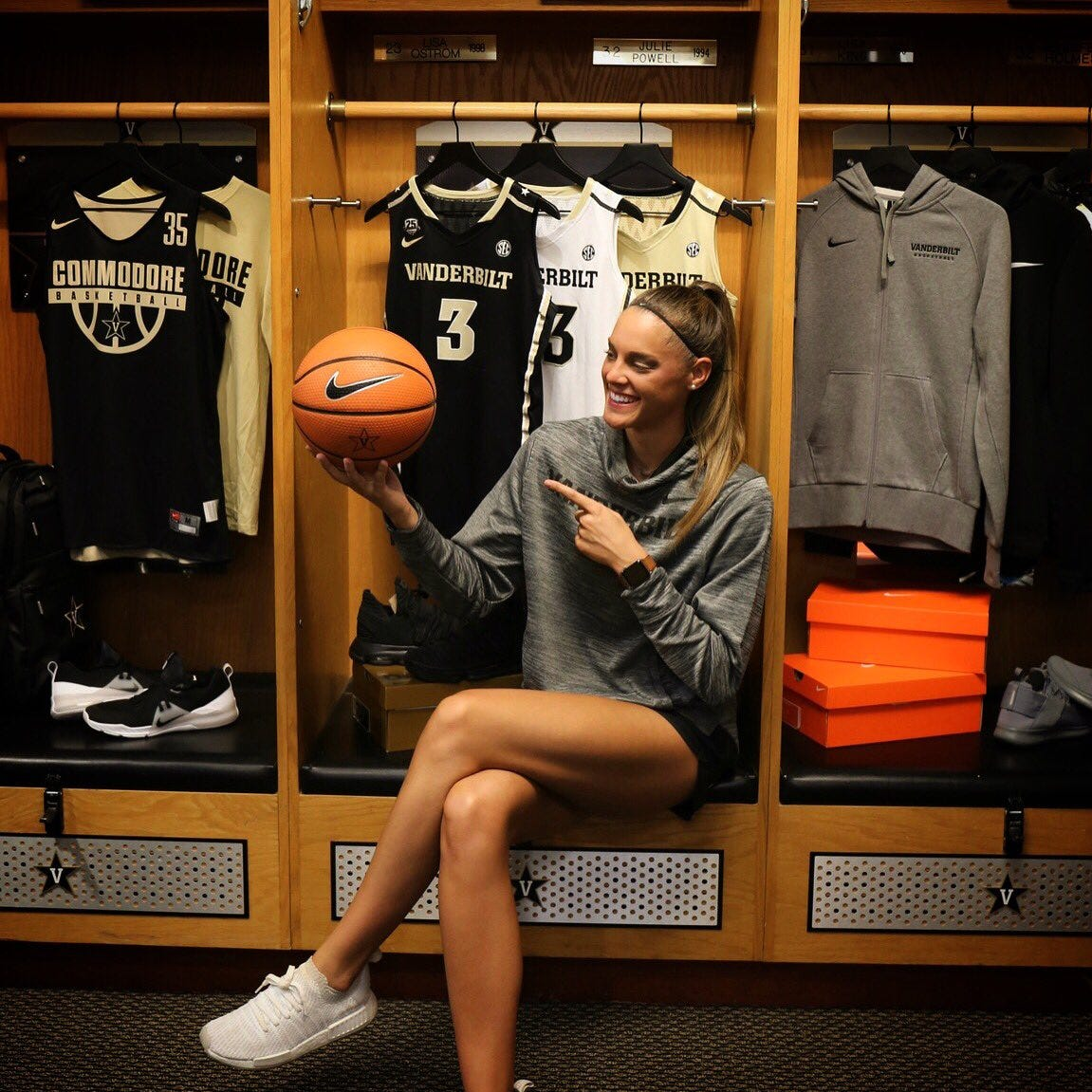 Kortney Dunbar bleeds Lady Vols orange, but she's reppin' Vanderbilt black and gold as a coach
