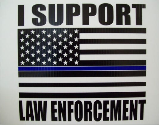 Photo I Support Law Enforcement Sign 002
