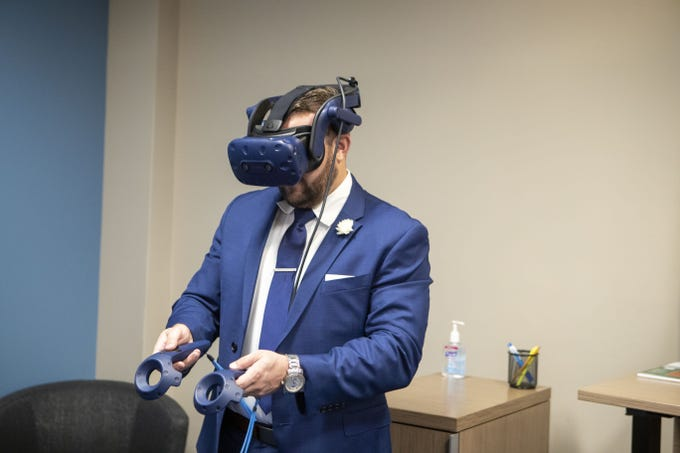 Chase Lending Manager Tyson Coon has unveiled a virtual-reality home-shopping service for mortgage customers. The new program is being piloted in Scottsdale.