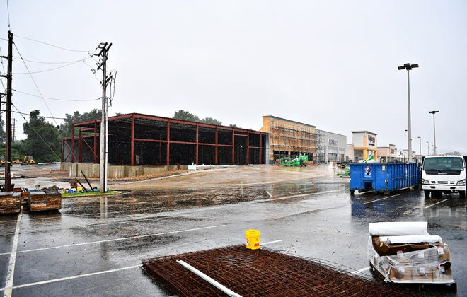 Construction at Manchester Crossroads in Manchester Township, Tuesday, Sept. 25, 2018. Dawn J. Sagert photo