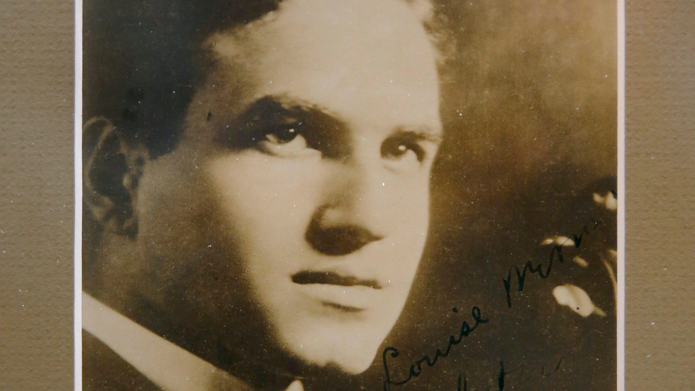 Unplayed sonatas : A century after his death David Hochstein's heroic soul still inspires