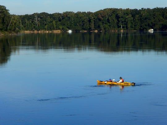 Rob Diaz de Villegas and his son Max paddling the Apalachicola.