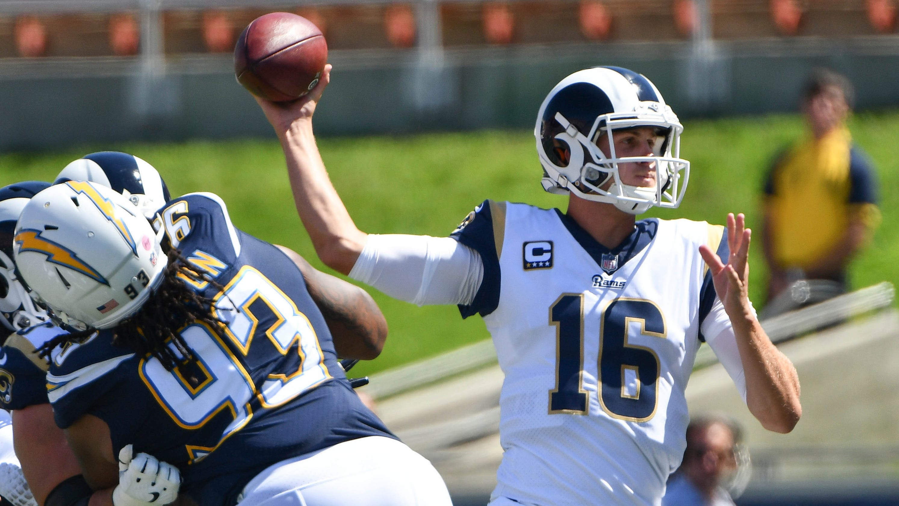 Jared Goff showing he s more than  system  quarterback for Los Angeles Rams 6e79ded7c