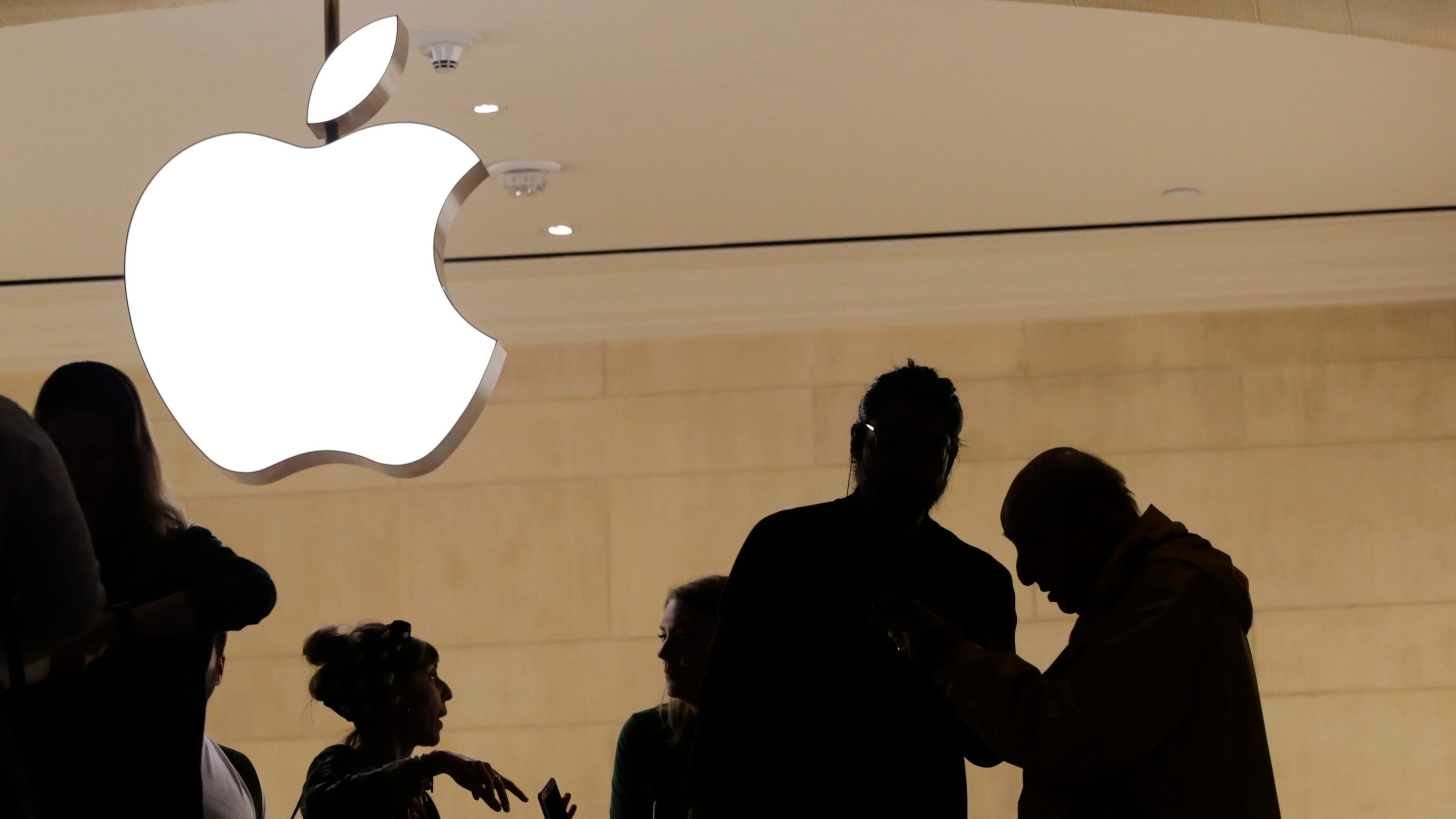 Apple, Amazon deny Chinese spy chips found in Super Micro