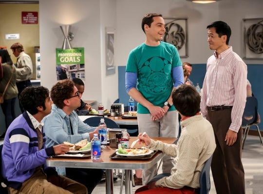 "Sheldon's estranged boyhood friend, Tam (Robert Wu, right) meets with Raj (Kunal Nayyar, left), Leonard (Johnny Galecki), Sheldon (Jim Parsons) and Howard (Simon Helberg), on CBS' ""The Big Bang Theory."""