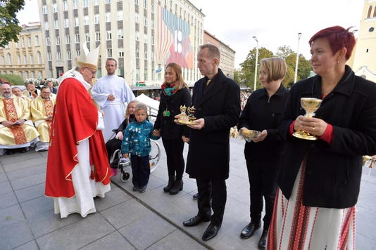 Epa Estonia Pope Francis Rel Belief Faith Est