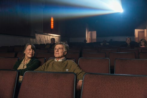 "Jewel (Sissy Spacek) and Forrest (Robert Redford) go to the movies in ""The Old Man & the Gun."""