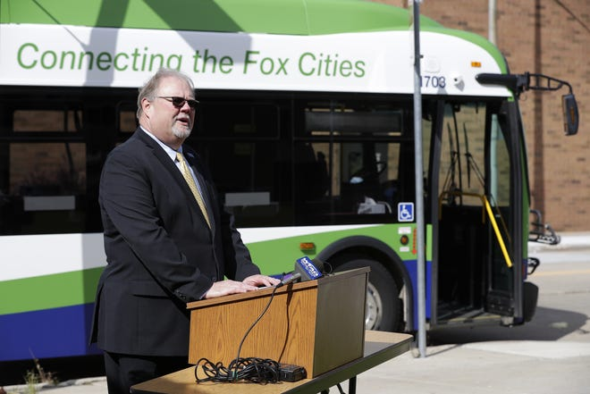 Ron McDonald, general manager of Valley Transit, stands in front of a new 2017 New Flyer Excelsior heavy duty transit bus while speaking Wednesday during a press conference at the bus station in Appleton. (Dan Powers/USA TODAY NETWORK-Wisconsin)