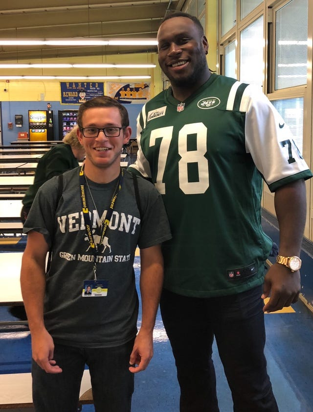 best service 33f2e 44958 NFL player surprises Colonia student with lunch visit at ...
