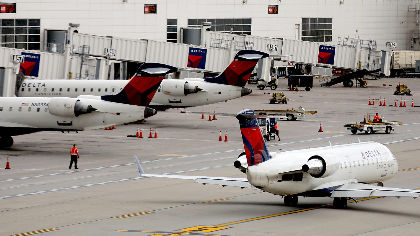 Metro Airport Delta flight to LAX delayed after passenger refuses to w... image