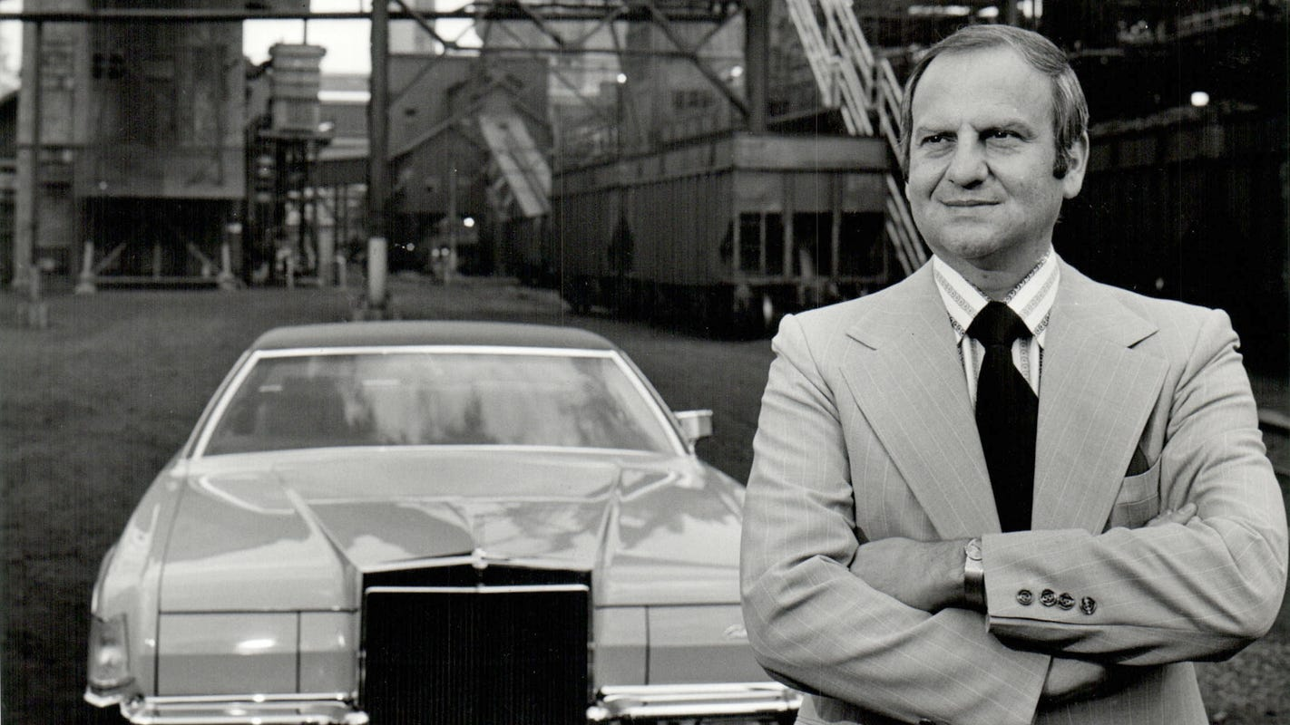 Lee Iacocca Mustang >> Lee Iacocca Dies Father Of Mustang Rescuer Of Chrysler Was 94