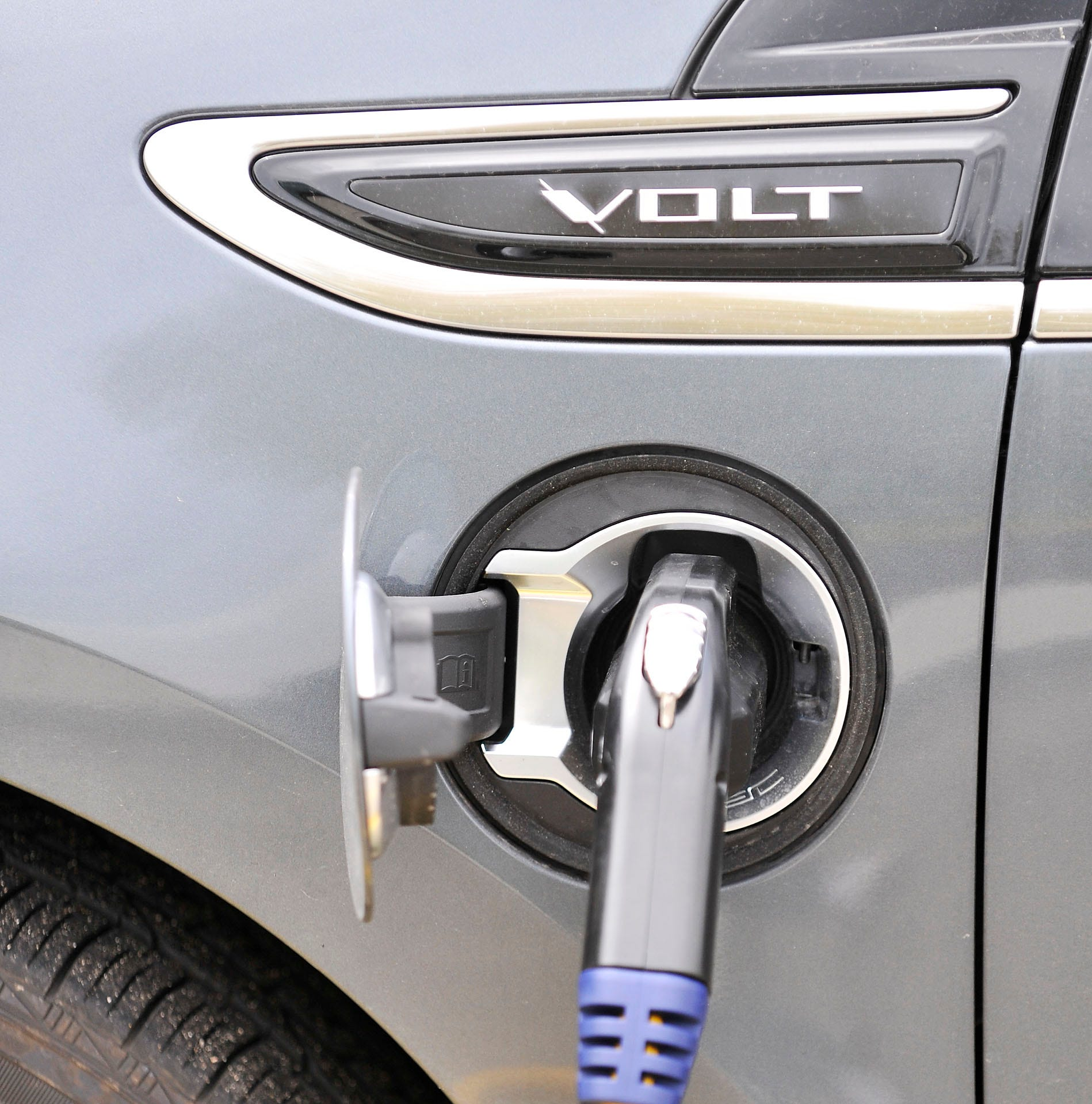 Future of electric-car tax credit up in the air