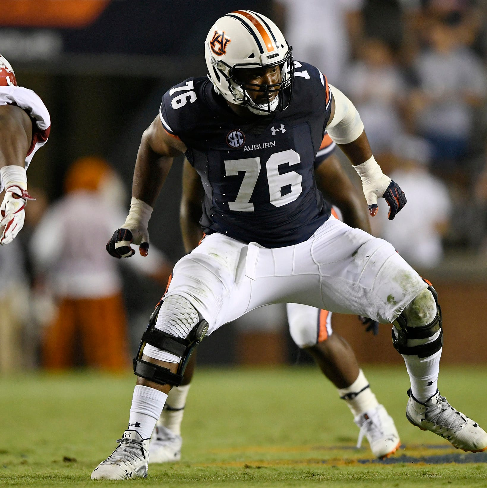 Gradually improved Auburn offensive line now set to return all 5 starters