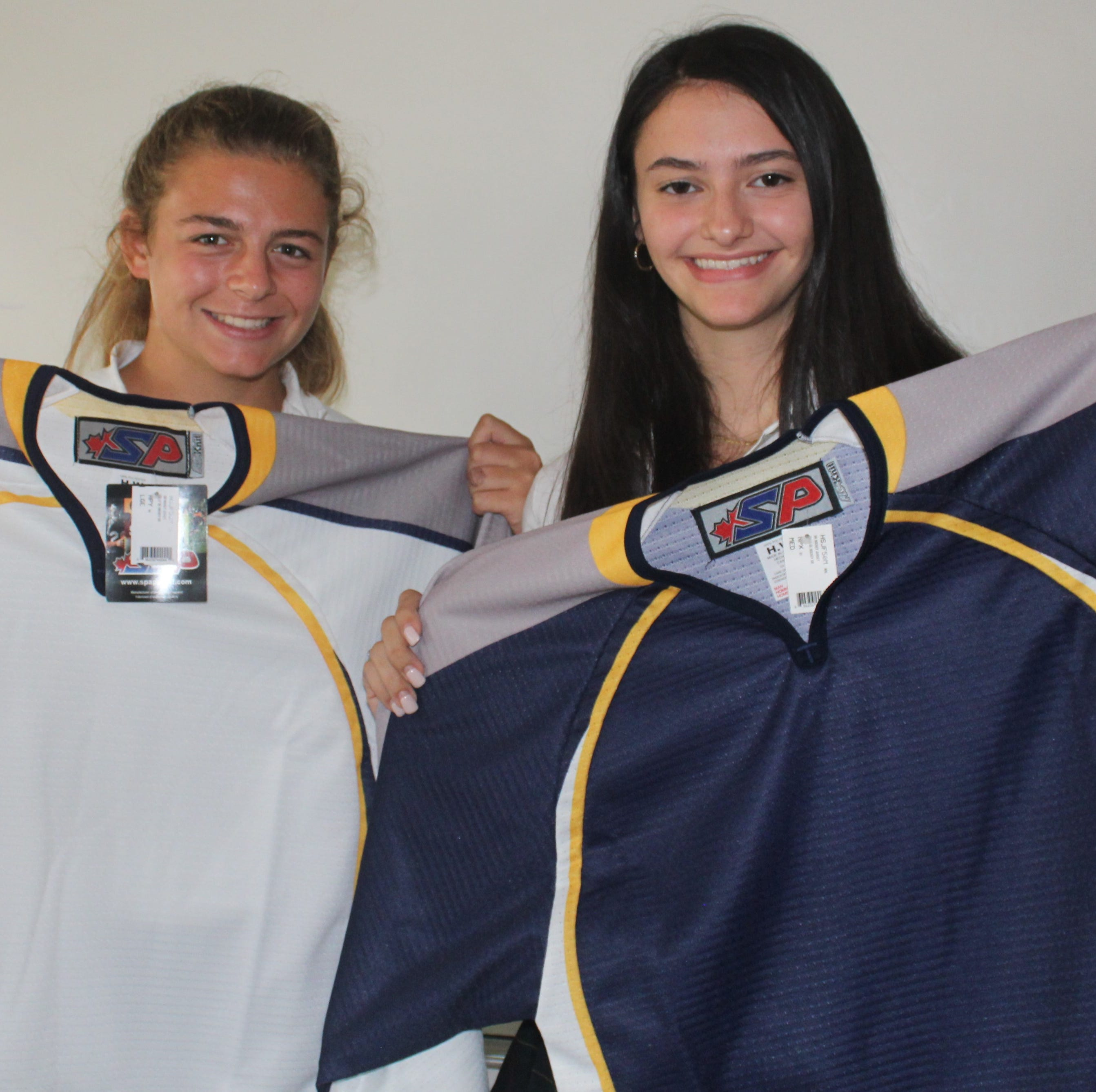 Ex-Ladywood skaters bring 'family-style' hockey to Sacred Heart