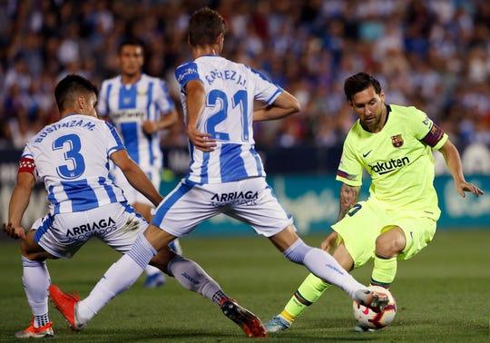 Barcelona perdió el invicto ante el colero de la liga.