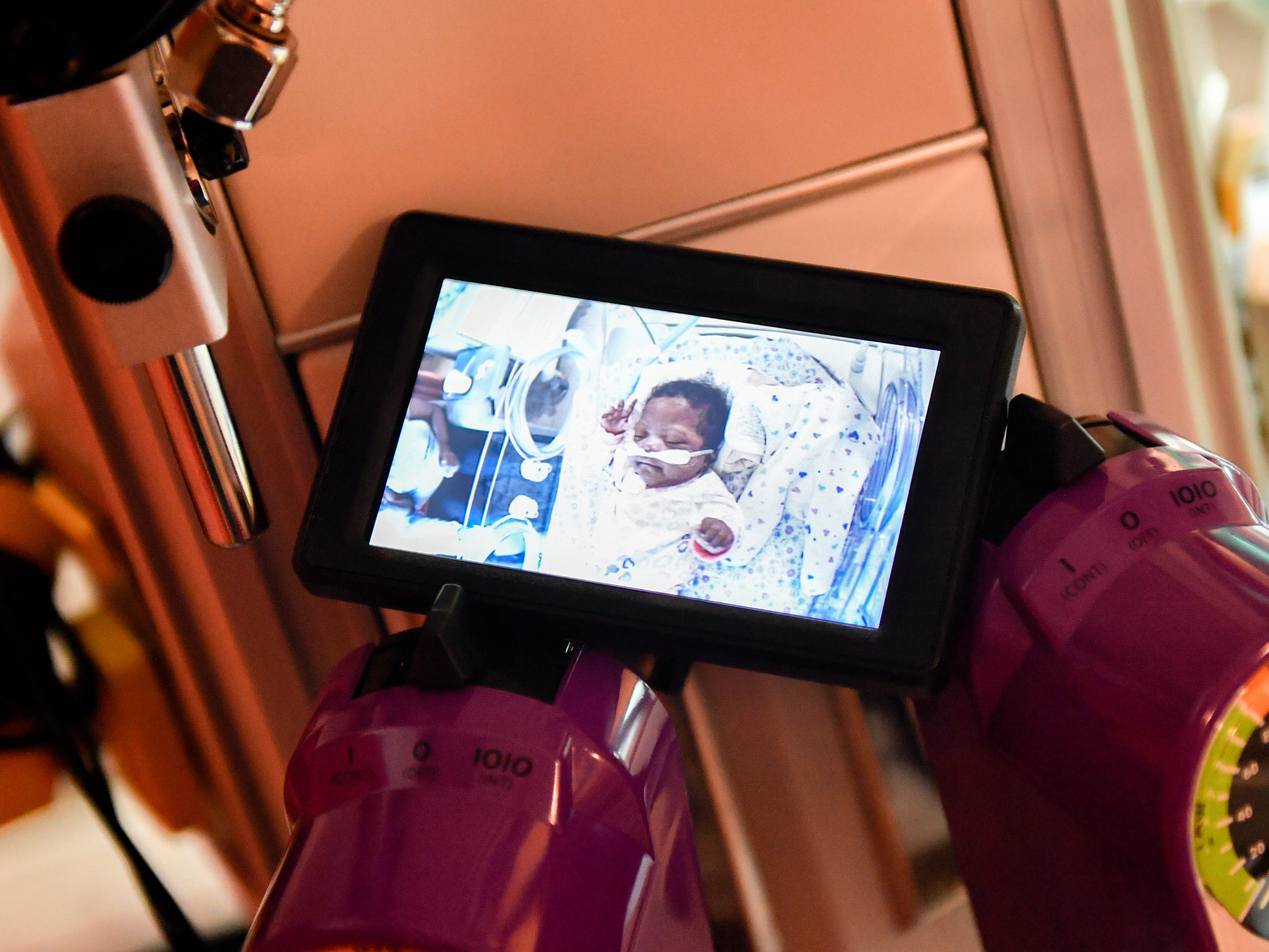 A little monitor next to the baby shows when the Angel Eye camera is live-streaming. This allows nurses to know that everything is working properly.