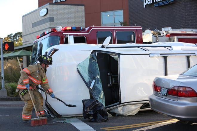 A crash at Commercial Street S and Alice Ave S stalled traffic in south Salem Tuesday, Sept. 25, 2018.