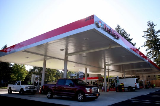 The South Salem Fred Meyer gas station opens on Wednesday, Sep. 26, 2018.