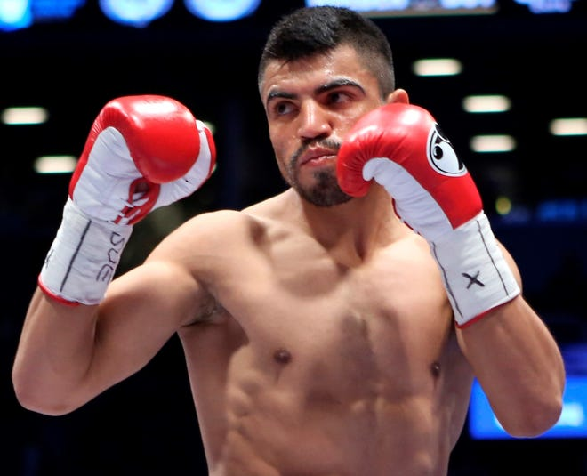 Victor Ortiz was the WBC welterweight title holder in 2011.
