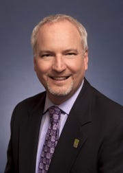 Alex McIntyre is Ventura's city manager.