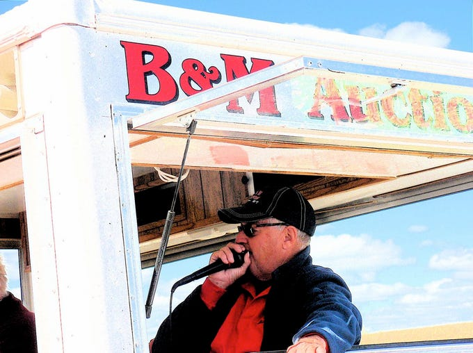 """...""""It's hard to sell a cow for less than you know it's worth,"""" Tom Bidlingmeier says.  """"But, these days most  farmers aren't buying."""