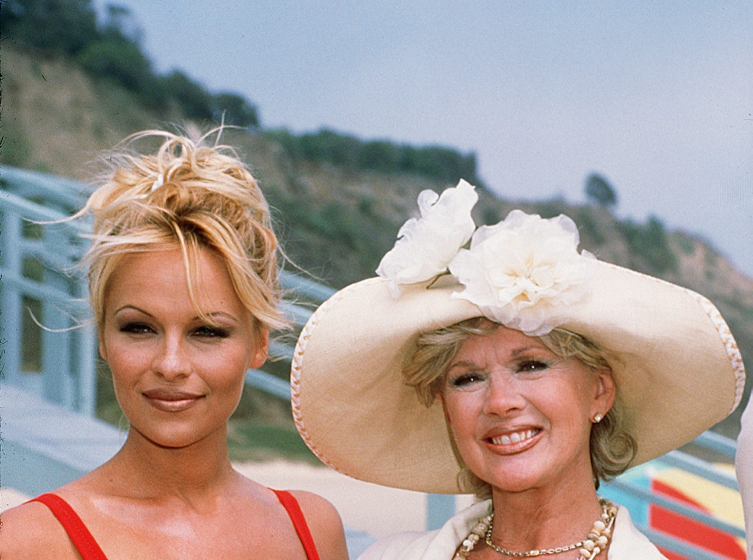 DATE TAKEN: 8/8/96---Pamela Anderson Lee and Connie Stevens on the Baywatch set 8/8/96 ORG XMIT: UT28264