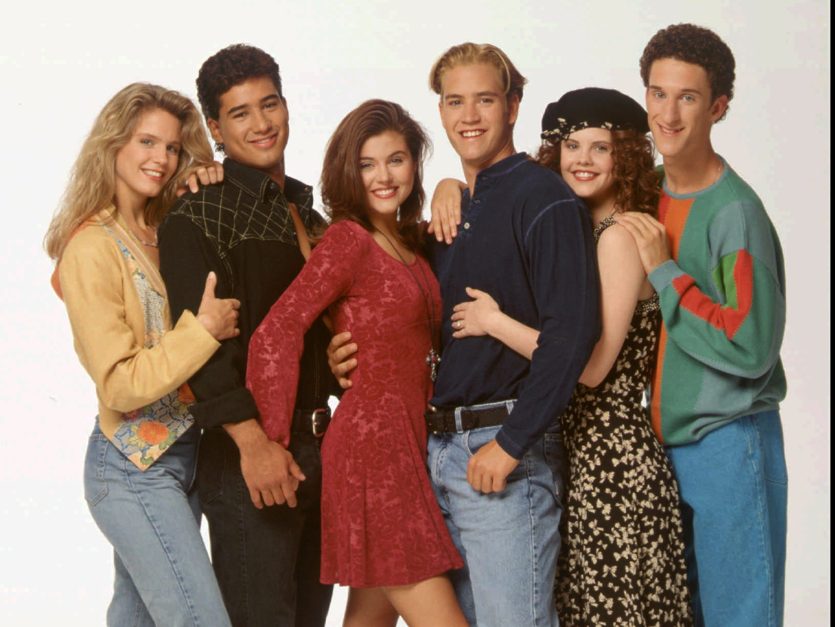 (NBC120 7/14/93) --- COLOR ART FROM NBC's JULY 1993 PRESS TOUR --- 'SAVED BY THE BELL: THE COLLEGE YEARS' --- Pictured: (L-R) ANNE TREMKO, MARIO LOPEZ, TIFFANI-AMBER THIESSEN, MARK-PAUL GOSSELAAR, KIERSTEN WARREN, DUSTIN DIAMOND --- NBC PHOTO BY CHRIS HASTON