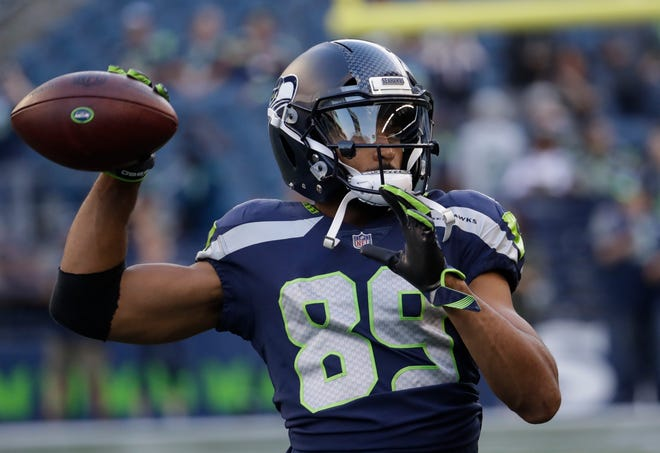 Seattle receiver Doug Baldwin, injured in the season-opener against Denver, is expected to return to the field on Sunday in Arizona.