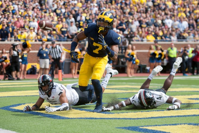 Tarik Black broke his right foot a week before the season opener at Notre Dame. He was in a boot for several weeks and met with his doctors the weekend of Oct. 6.