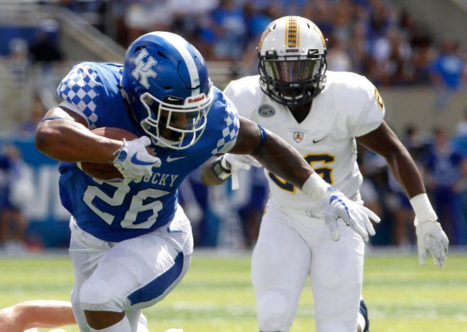 Kentucky running back Benny Snell is averaging 135 yards per game, which is tops in the SEC and third in the nation.