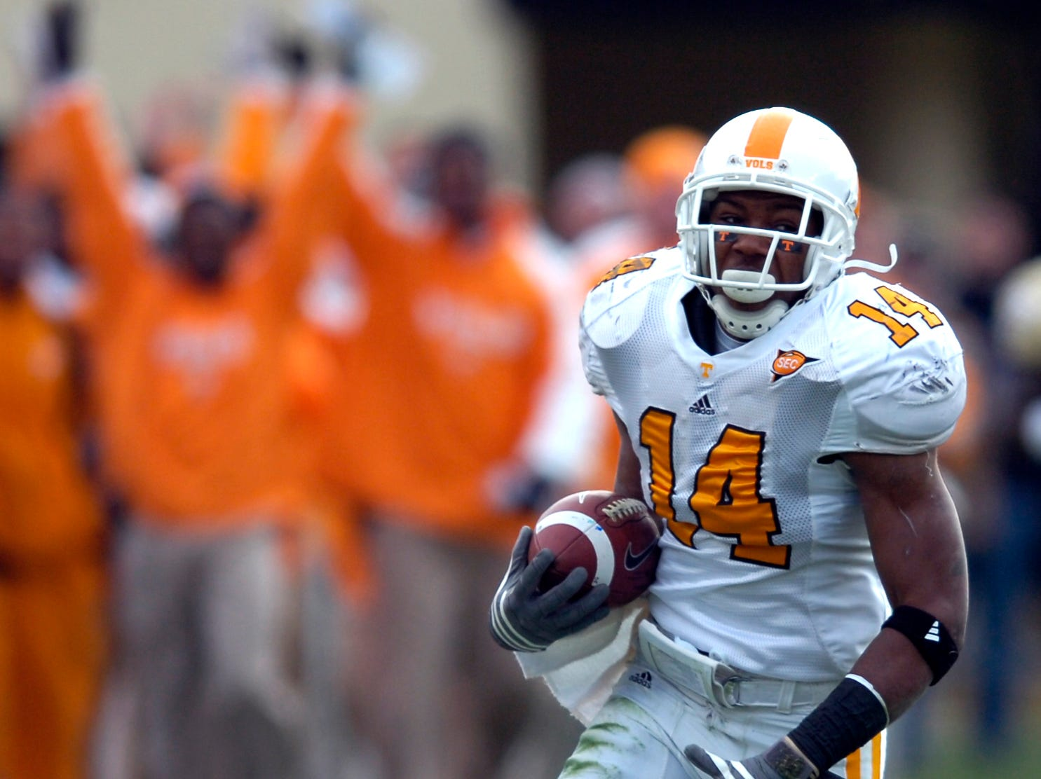 Tennessee defensive back Eric Berry (14) returns an interception for a touchdown against Vanderbilt at Vanderbilt Stadium in Nashville on Saturday.