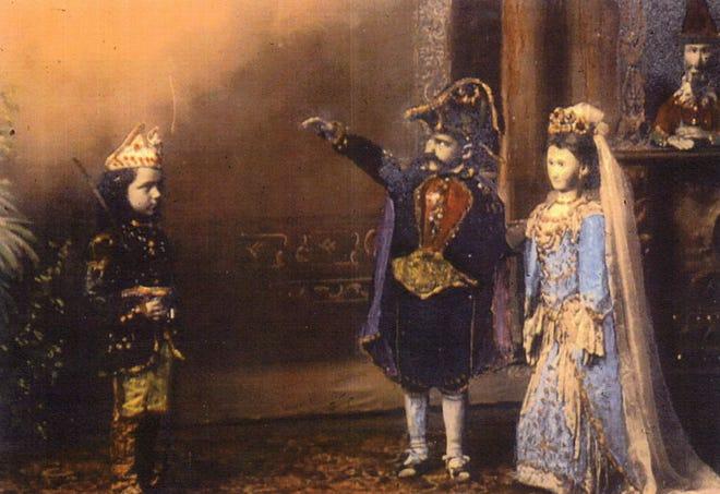 Weinkoetz puppet marionette show in St. Nazianz about 1900.