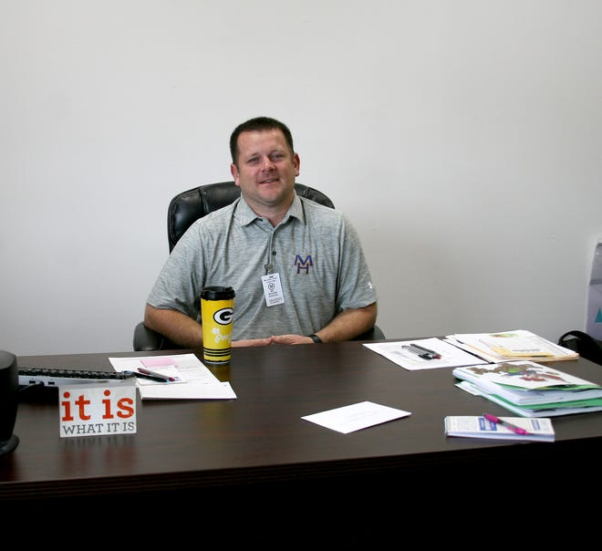Mountain Home Junior High School Principal Kyle McCarn was hired at the end of the 2017-18 school year to replace Ron Czanstkowski who became Director of Student Services. McCarn previously served as assistant principal at Mountain Home High School for five years.