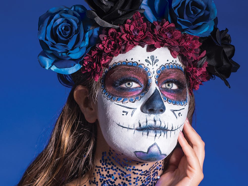 Makeup artist Kylie Jayne Levine (@kyliejayneartistry) shares three looks for Halloween for the October 2018 issue of (201) Magazine. Photography by Anne-Marie Caruso (@annemariecaruso); Model: Isabella Ramirez (@heyyizabella)