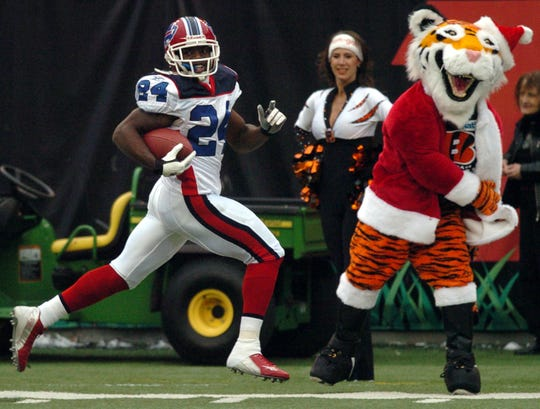Terrence McGee of the Bills runs for a 99-yard touchdown on a kickoff return against the Cincinnati Bengals on Dec. 24, 2005